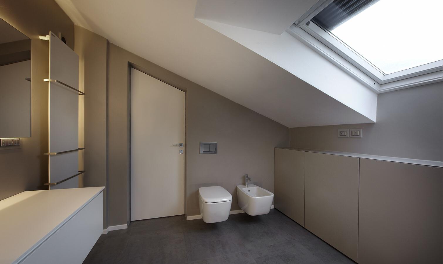 Bagno moderno con doccia grigio affordable interno del bagno