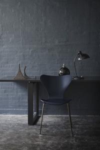 sedia Serie 7 blu profondo Limited Edition